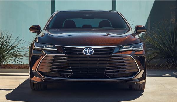 2019 Avalon Hybrid Front